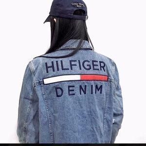 Tommy Hilfiger Jean Trucker Jacket Spellout logo L